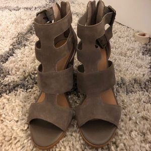 Crown Heeled Sandals -size 9